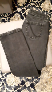 Black size 3 womans skinny jeans
