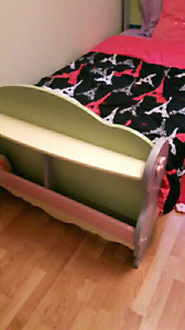 Twin bed Mattress and spring box