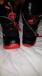 Burton Imprint 1 youth snowboard boots size 4 new condition