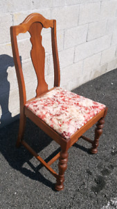 •••• 6 DINNING CHAIRS FOR SALE ••••