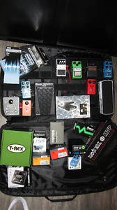 Pedalboard + 6 pedals