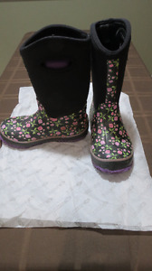 Perfect Storm boots - Size 1  - excellent condition