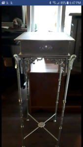 Petite table d'appoint