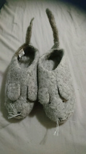 100% WOOL MOUSE SLIPPERS