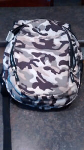Camouflage toddler bookbag with insulated front pouch