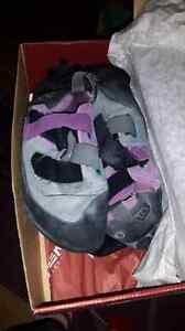 Women's climbing shoes size 7.5
