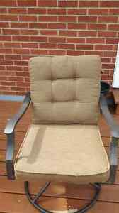 Set of 6 patio chairs with cushions
