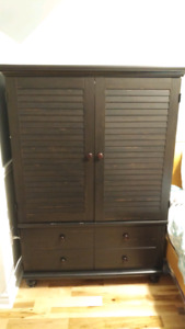 Sauder TV Hutch & Storage Cabinet- SOLID CONSTRUCTION