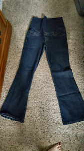 Thyme Maternity jeans Size Medium (Tall)