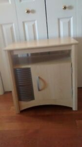Stereo table