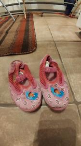 Dora girls water shoes (size 6)