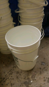 Chaudieres 5 gallons /buckets