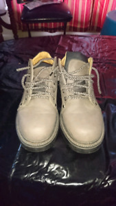 Men's Grey size 9 Shoes (Nevada Brand)
