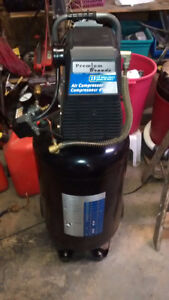 Mastercraft 15 gallon upright compressor
