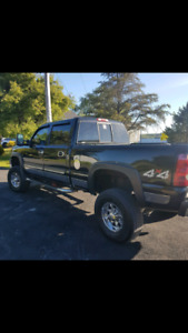 Duramax 2500 diesel with lift kit