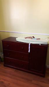 Ensemble de meuble pour bébé