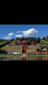 Spectacular log home  on Lac La Hache