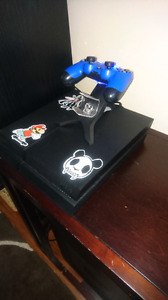 PS4500GB with 1 controller+7games