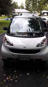 2010 smart car like new ! Only 26000km