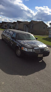 Lincoln Town Car 2001 LIMOUSINE !!! PARTYY !!!