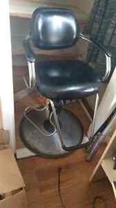 Barber chair  Windsor Region Ontario image 2