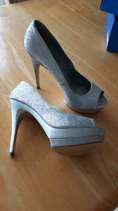 "5"" silver sparkle heels size 6.5"