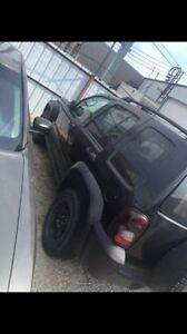2006 Jeep liberty Rocky Mountain edition *LOW KMs* 5200$