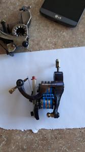 2 machines a tattoo a coil et 1 rotative