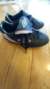 Girls Umbro size 2 soccer cleats