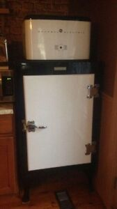Ge monitoring vintage fridge
