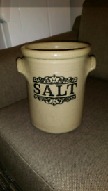 Country kitchen vintage pot Moira pottery