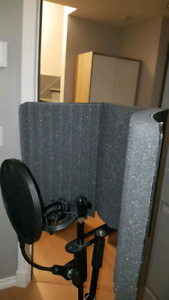Ensemble acoustique Auralex et Pop filter