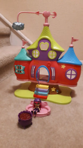 Little charmers play house