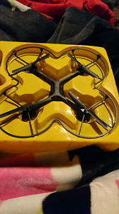 Sharper Image rechargeable 2.4GHz VIDEO DRONE