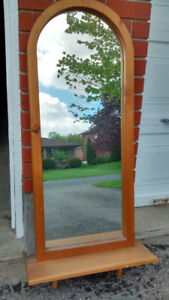 Solid pine mirror with shelf