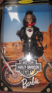 1998 Harley-Davidson Motor Cycles Collector Edition Barbie doll