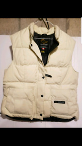 WOMANS XL CANADA GOOSE OFF WHITE DOWN VEST