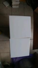 195 x gloss white Ceramic tiles