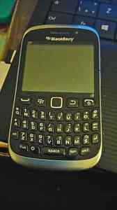 LIKE NEW BLACKBERRY CURVE WITH BLACK GEL CASE