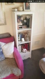 Tall bookcase with 3 shelves and 1 drawer