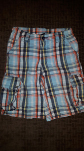 Boys plaid cargo shorts size 8