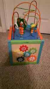 Kids play center with removable top to store toys in