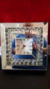 Broken Clock with mirrors & glass but can be fixed with someone