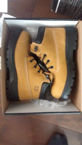 Brand New Women's CSA Approved Steel Toe Work Boots
