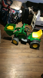 Ride on John Deer tractor