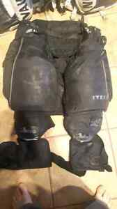 Itech tender pants/Brians knee protection