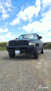 1999 Dodge Ram 5.2 4x4 OBO**
