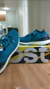DS ULTRABOOST UNCAGED SIZE 11