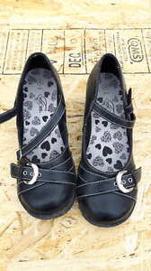 Girls size 4 dress shoe