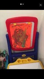 kids art easle